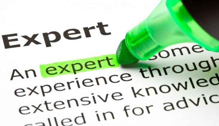 How to become an expert in your niche (even if you are not)